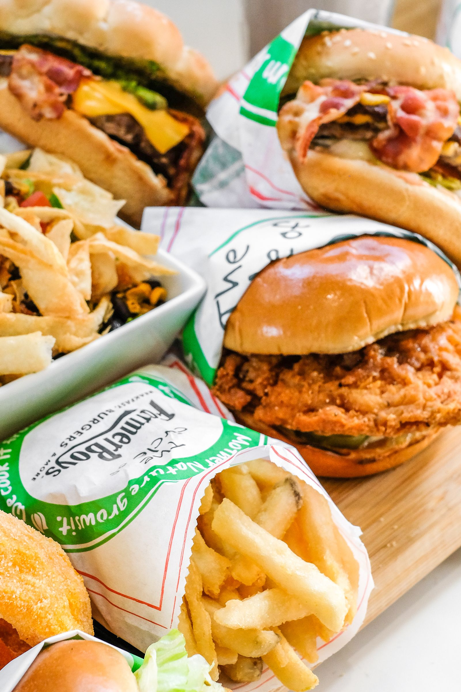 Farmer Boys, the Southern California-based fast casual concept known for its award-winning burgers and exceptional service, announced two additional Arizona sites have been secured in Phoenix and Tempe. These locations mark the second and third Arizona locations; the first opening in Gilbert in early 2021.