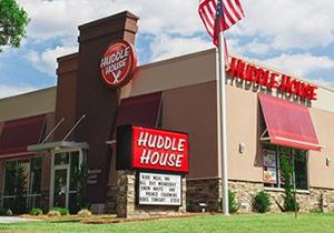 Huddle House Sets Sights on Canton, Texas for Franchise Growth