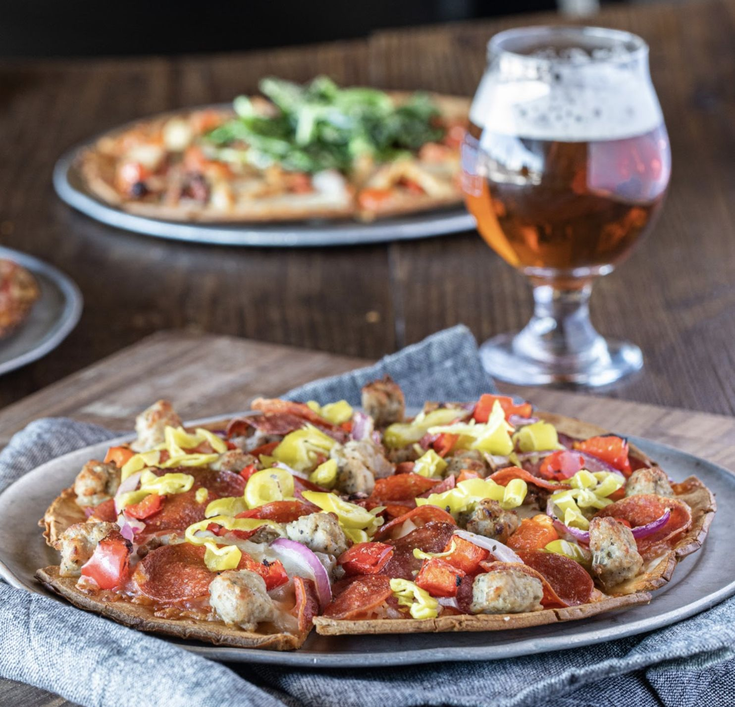 Old Chicago Pizza & Taproom Partners with CAULIPOWER to Debut Cauliflower Crust