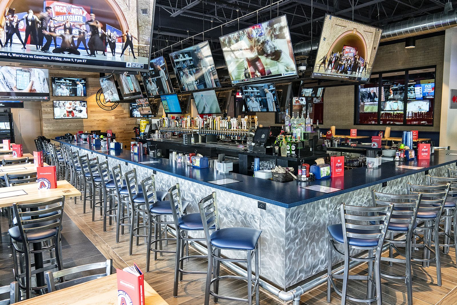 Arooga's Grille House & Sports Bar Named to FranServe Fran-Tastic 500