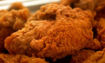 <p>Shoney's Brings Back Nashville Hot Chicken to Satisfy Guest Demand thumbnail