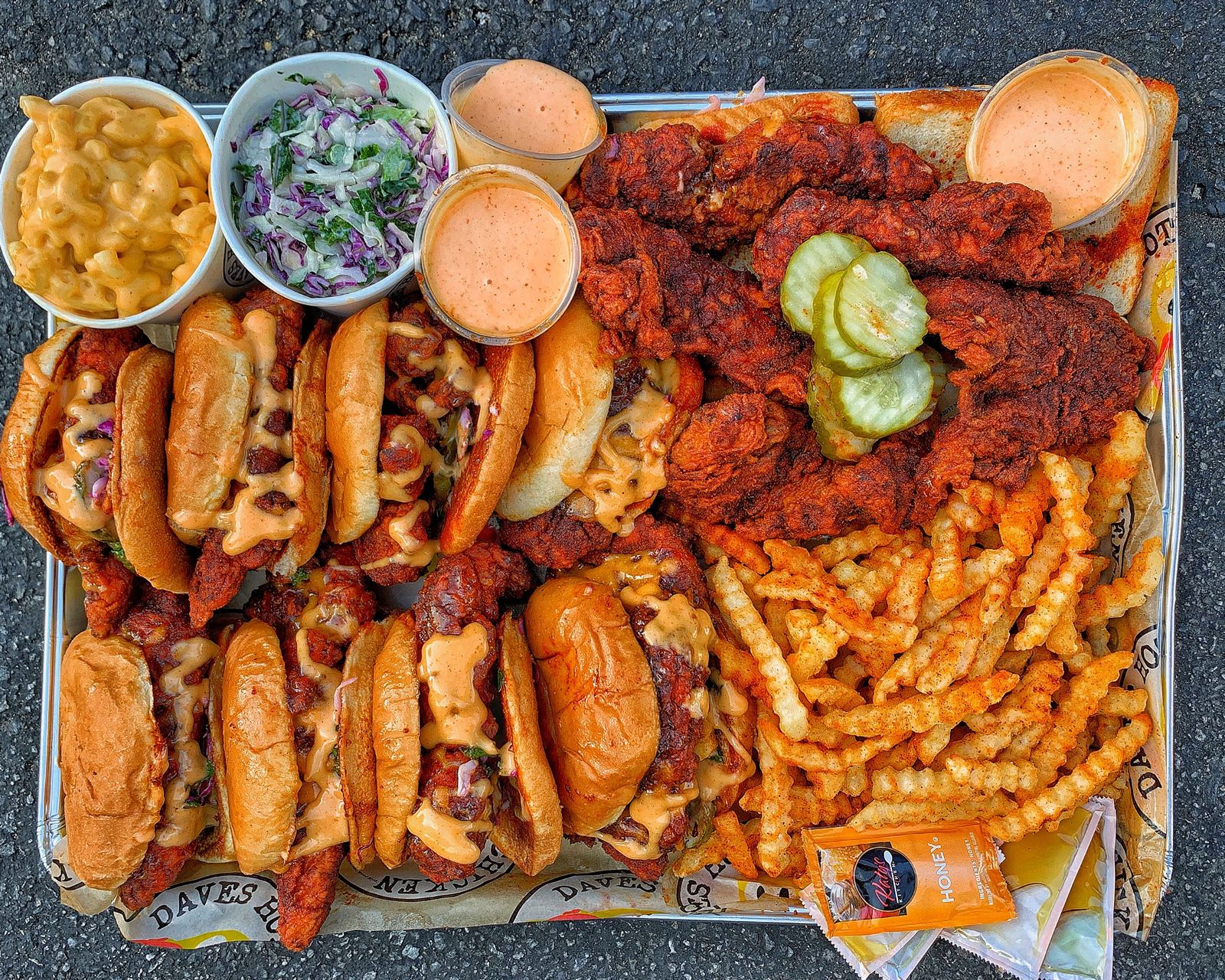 Dave's Hot Chicken Opens First Location in Dallas