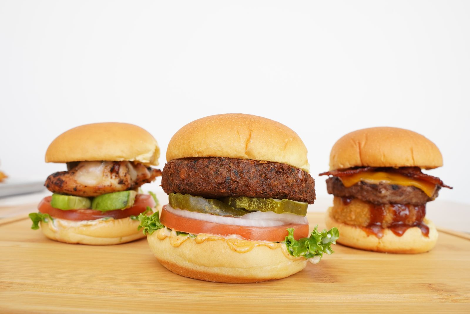 iniBurger, the Bay Area's Gourmet Burger Destination, to Celebrate One Year Anniversary With Free Sliders and Ribbon-Cutting Ceremony