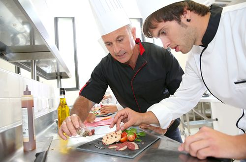 Why Your Bar or Restaurant Needs a Training Program for New Hires