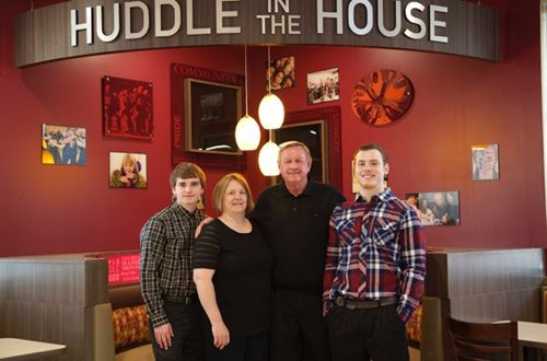 Farmers turned restaurant owners bring Huddle House to Litchfield, IL