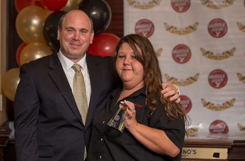 Huddle House Honors Outstanding Team Members