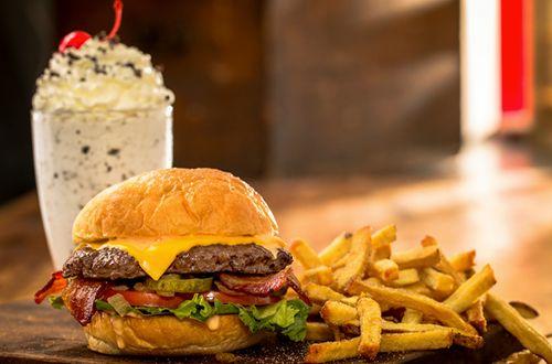 MOOYAH Burgers, Fries & Shakes Opens in Los Gatos