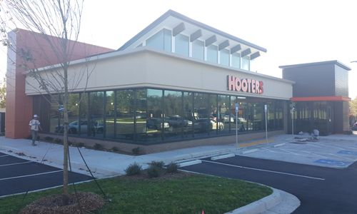Hooters Expands with New Mall of Georgia Location