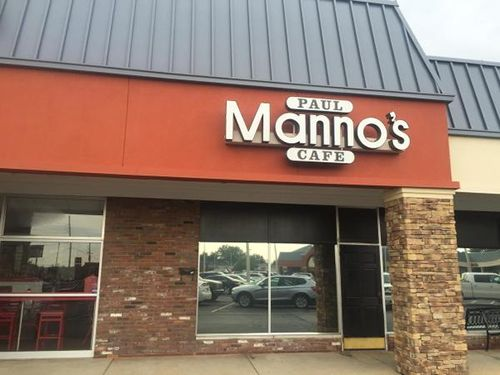 St Louis Restaurant Review publishes a review on Paul Manno's Cafe, Chesterfield, MO