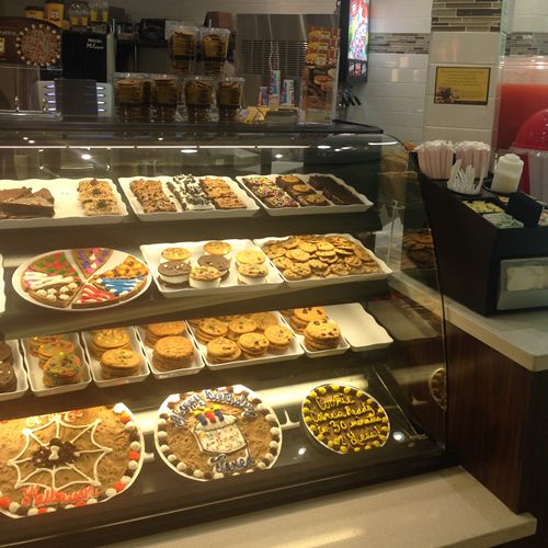 Baybrook Mall Welcomes Two More Nestlé Toll House Cafés by Chip