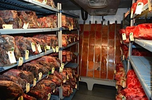 Ruffino's Debuts Dry-Aged Steaks from New Himalayan Salt Room