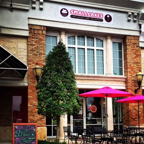 Smallcakes opens first Minnesota Cupcakery and Creamery