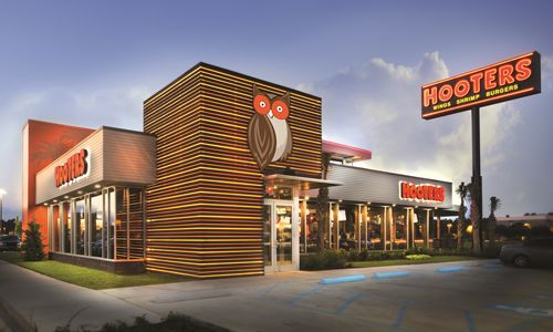 Hooters Bolsters Presence in Asia with New Singapore Location