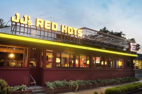 JJ's Red Hots to Treat Dads to A Free Hot Dog on Father's Day