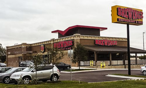BreWingZ Sports Bar and Grill Opens Second San Antonio Location