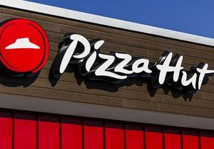 Pizza Hut Testing Booze Delivery