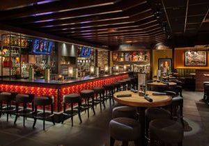 Houlihan's Restaurant Debuts in Denton's Rayzor Ranch