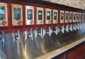 Crave Hot Dogs and BBQ Signs National Deal with iPourIt to Secure Self-Serve Beer Wall in All Locations