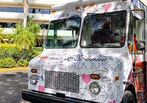 I Heart Mac & Cheese Sells First Food Truck Franchise in South Florida