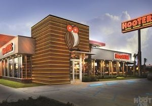 This Mother's Day, Moms Eat Free at Hooters