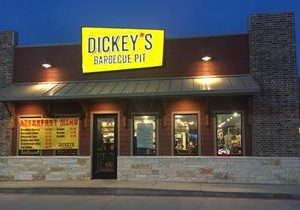 Dickey's Barbecue Pit Fuels Multinational Franchise Development in Q4
