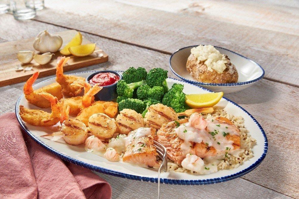 Red Lobster® introduces a Signature Feasts lineup featuring an abundant variety of craveable seafood all on one plate, including exciting combinations like the NEW! Mariner's Feast.
